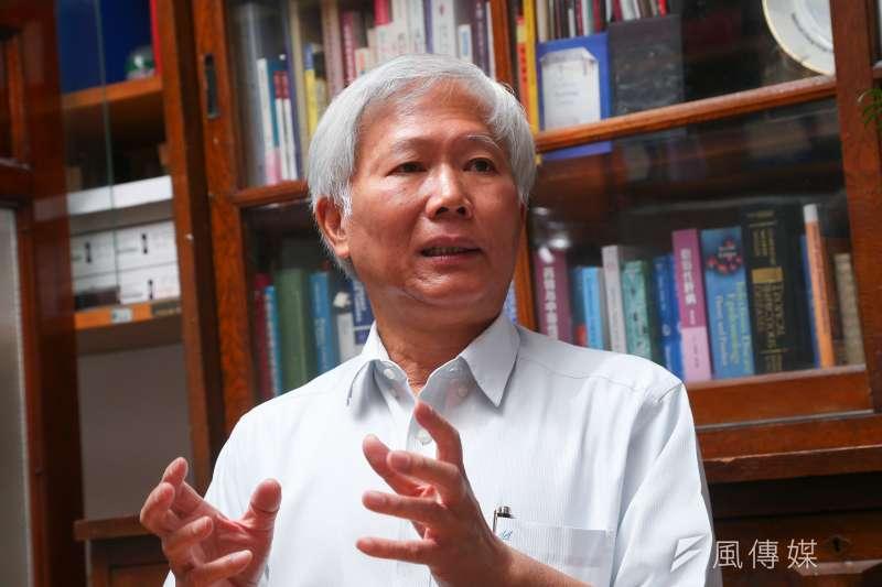 中研院院士陳培哲對產疫苗提出質疑,遭到圍攻。(顏麟宇攝)