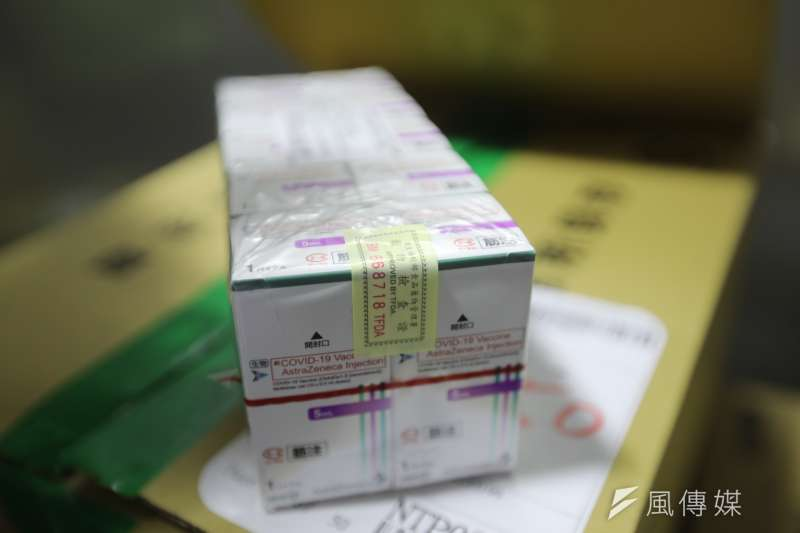 台大婦產科醫師施景中分享一對在台日本夫婦不接種疫苗的原因,是因為那些是「日本送給台灣人民的禮物」。(資料照,台南市政府提供)