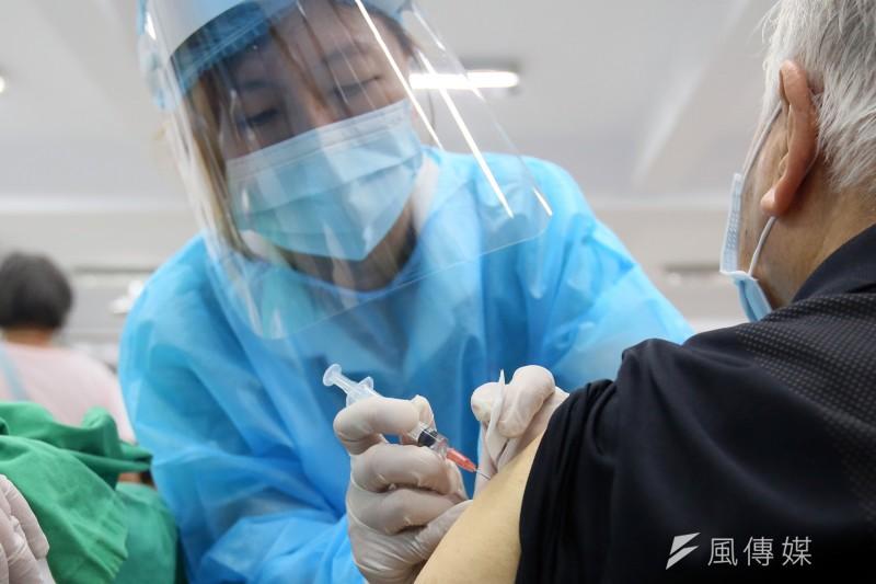 本土疫情全台3級警戒未能解除,加上疫苗短缺仍讓人民苦不堪言。(示意圖,柯承惠攝)