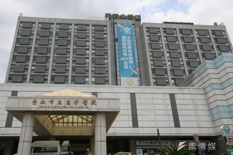 中央流行疫情指揮中心醫療應變組副組長羅一鈞表示,台北市萬芳醫院確實出現確診個案,但並未封院。(資料照,柯承惠攝)