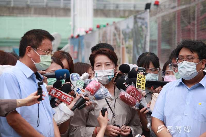 台北市副市長黃珊珊21日前往第一果菜市場場勘快篩路線。(方炳超攝)