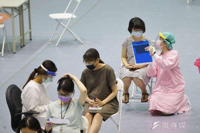 新竹市22日起領先全國開放孕婦接種新冠疫苗。(盧逸峰攝)