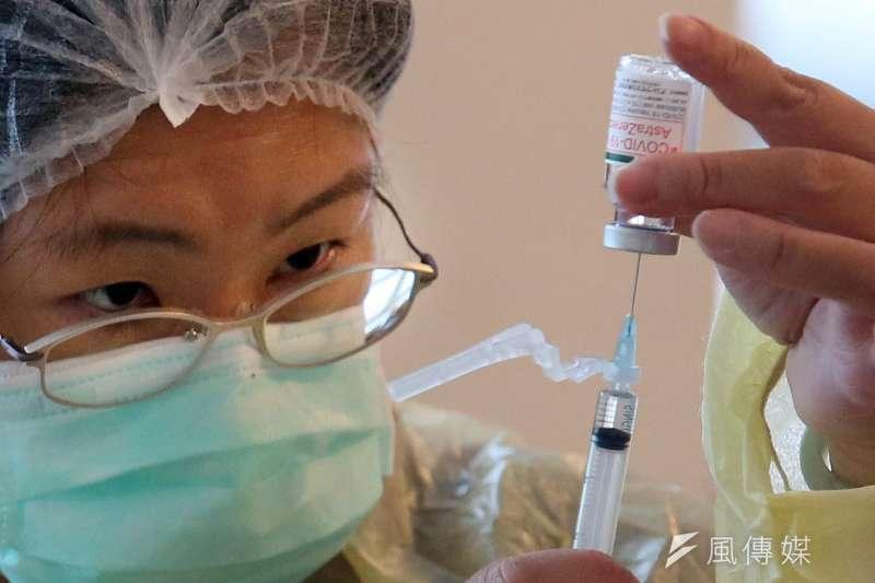 新冠疫苗殘劑如何登記預約?台北、桃園、台中…各縣市接種規定一次看!(柯承惠攝)