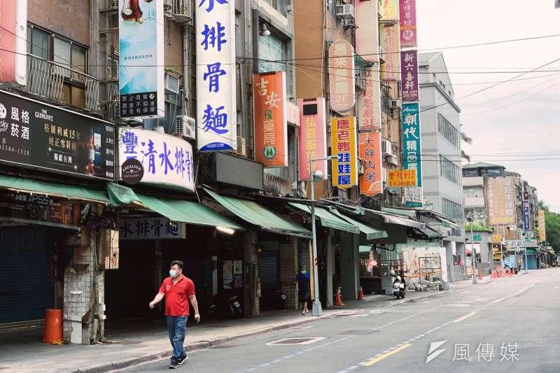 20210628-疫情下萬華艋舺夜市店家全面自主停業狀況(謝孟穎攝)