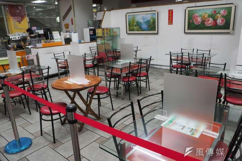 20210630-台灣新冠肺炎疫情三級警戒,餐飲店只能外帶不能內用。(柯承惠攝)