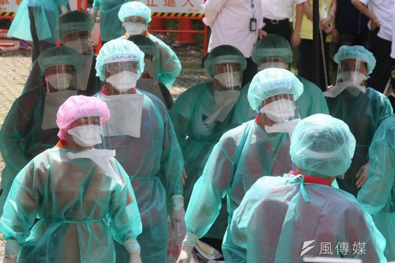 資深媒體人陳文茜向政府喊話,「立即開放醫護人員第2劑混打莫德納」。示意圖。(資料照,柯承惠攝)