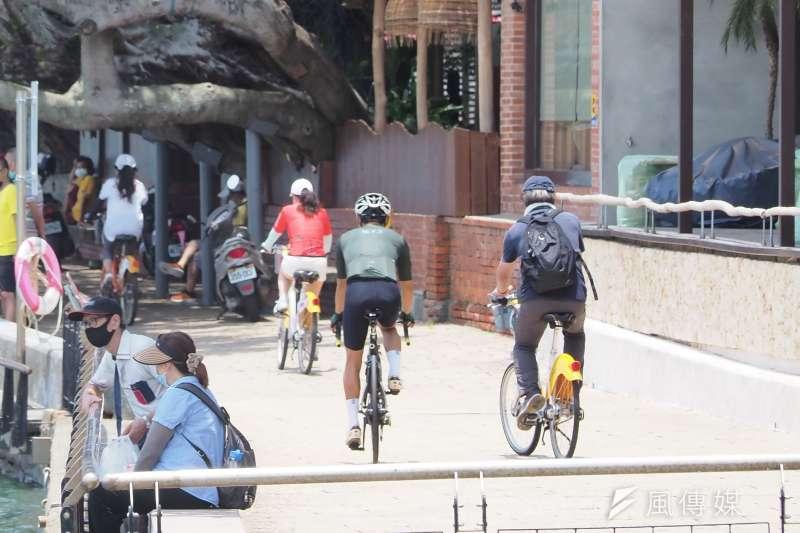 因應疫情的三級警戒,讓繁忙的都市街頭靜了下來。(資料照,柯承惠攝)