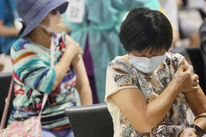 國產聯亞疫苗是否可能在近期完成緊急使用授權(EUA)受各界矚目。示意圖。(資料照,柯承惠攝)