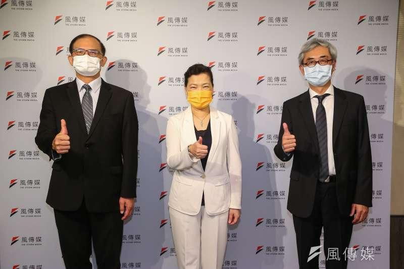 風傳媒董事長張果軍(右起)、經濟部長王美花、台灣車輛移動研發聯盟主委胡竹生16日出席風傳媒舉辦「電動車2025」線上論壇。(顏麟宇攝)