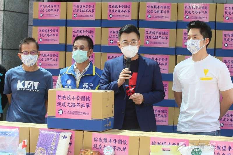 江啟臣(右二)的疫苗採買想法,遭同黨地方首長否定。(資料照,柯承惠攝)