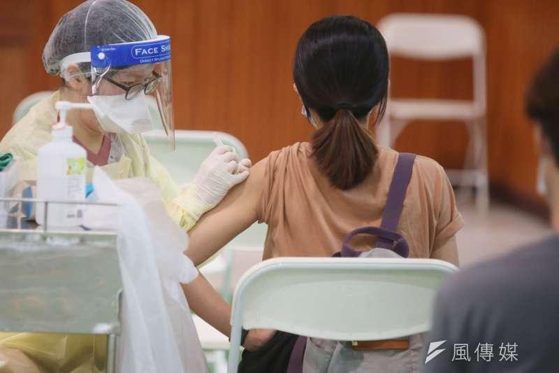 台大醫院前感染科醫師林氏璧分析4款疫苗優劣,認為大家可以選擇適合自己的疫苗。(資料照,柯承惠攝)