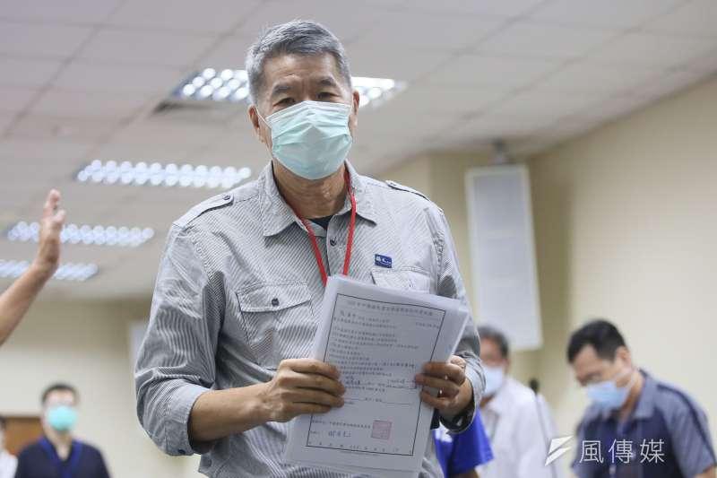 台北市議員羅智強認為,若孫文學校總校長張亞中(見圖)當選國民黨主席,恐怕2022、2024,國民黨都將慘敗。(資料照,柯承惠攝)