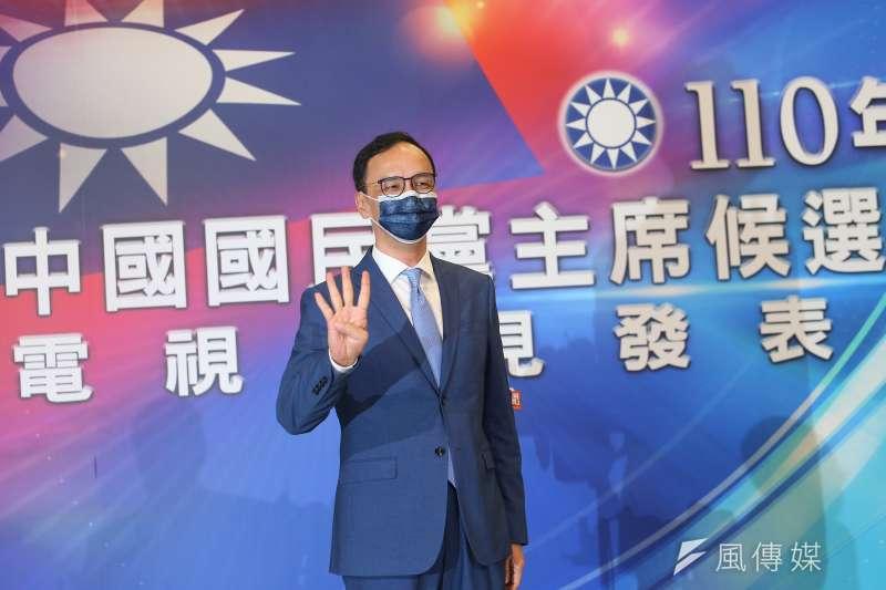國民黨主席候選人朱立倫(見圖)14日召開記者會表示,13日晚才得知另一名國民黨主席候選人張亞中被送考紀會,也不清楚事件過程。(資料照,顏麟宇攝)
