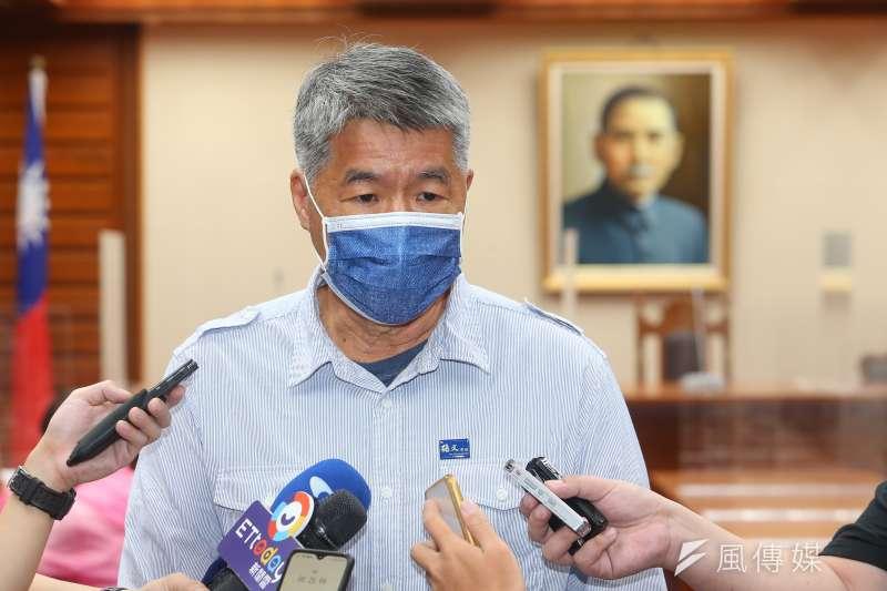國民黨主席選舉候選人張亞中9日出席「蔡英文論文門最終審判」記者會。(顏麟宇攝)