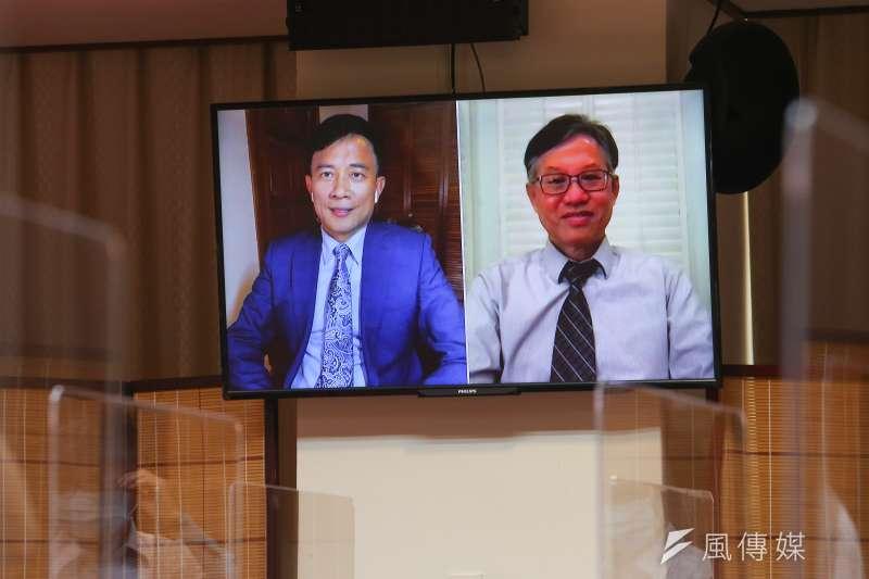 20210909-彭文正(左)、林環牆(右)9日出席「蔡英文論文門最終審判」記者會。(顏麟宇攝)