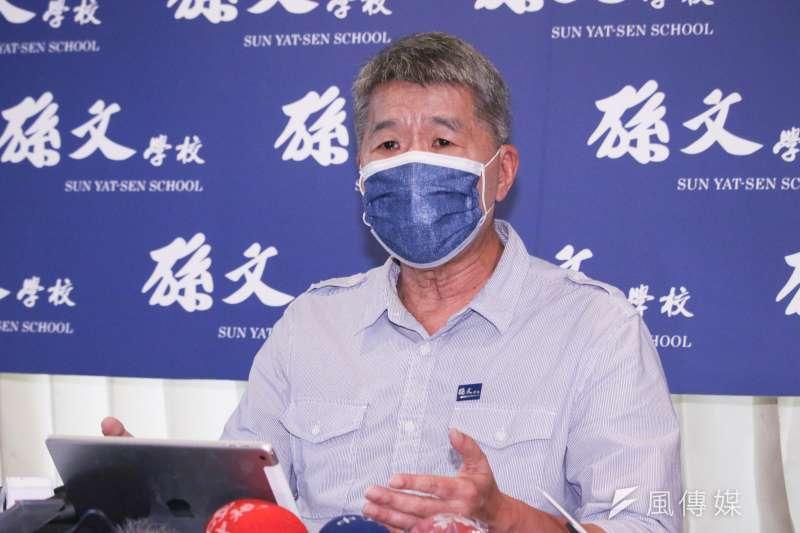 面對對手「紅統」的批評,孫文學校校長張亞中晚間在臉書上發文反擊。(資料照片,蔡親傑攝)