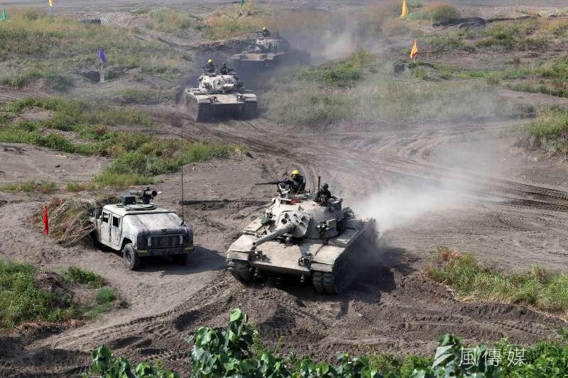 國軍漢光演習16日在新北八里上演灘岸反擊作戰。(蘇仲泓攝)