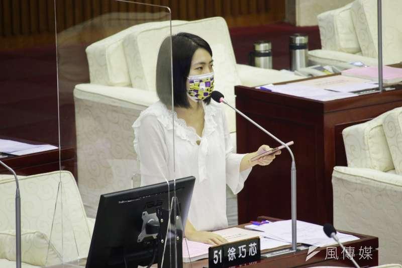 台北市議員徐巧芯21日於臉書發文稱,「塔綠班」指涉到處出征得少數民進黨支持者,反映民進黨側翼、網軍令人厭惡的一面。(資料照,蔡親傑攝)