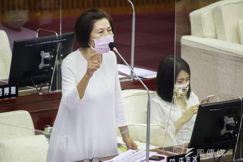 20210917-台北市議員汪志冰於市議會質詢。(蔡親傑攝)