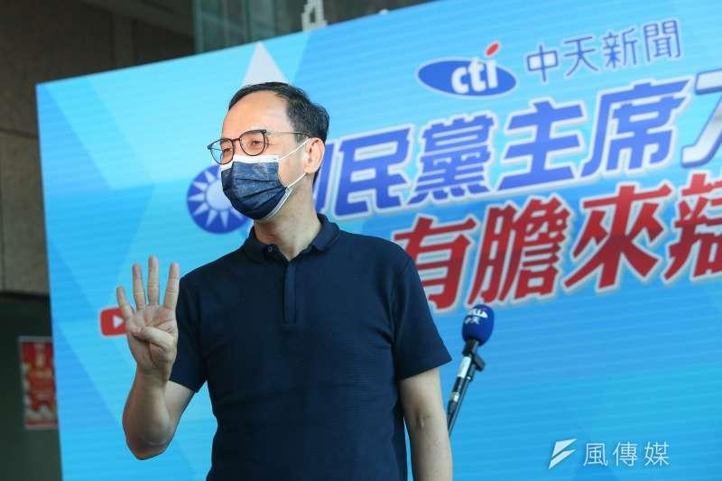 新北市長朱立倫(見圖)22日透露,和人在美國的前高雄市長韓國瑜通過電話。(資料照,顏麟宇攝)
