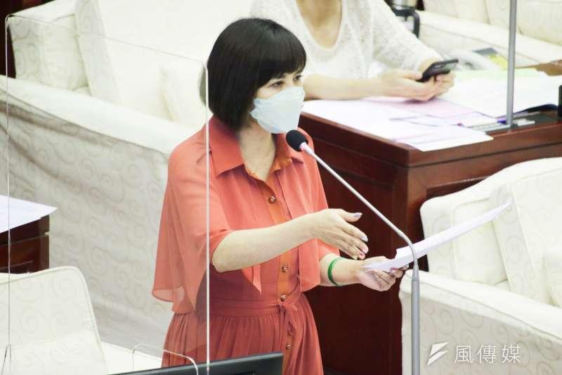 20210922-台北市議員王欣儀於市議會質詢。(蔡親傑攝)