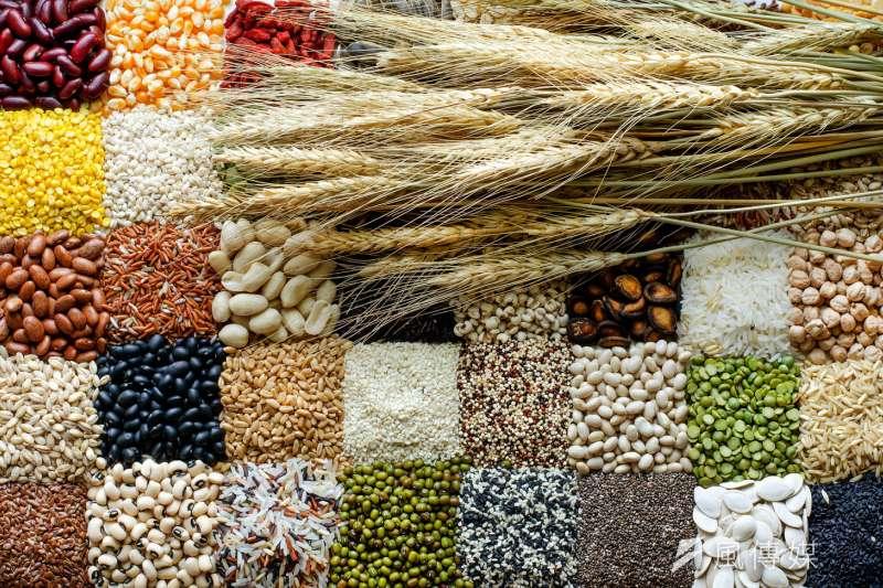 食品原料千百種,而基改食品原料只是提供消費者更多選擇權(圖片來源:shutterstock)