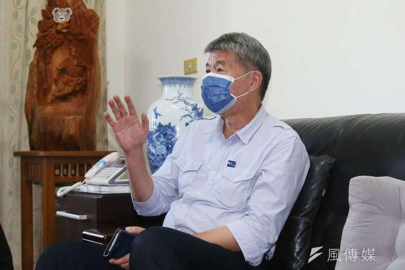 張亞中參選國民黨主席失利,他表示,「很遺憾黃花崗革命失敗了」,但相信離喚醒黨魂、下一次「辛亥革命」的成功更近一步。(柯承惠攝)