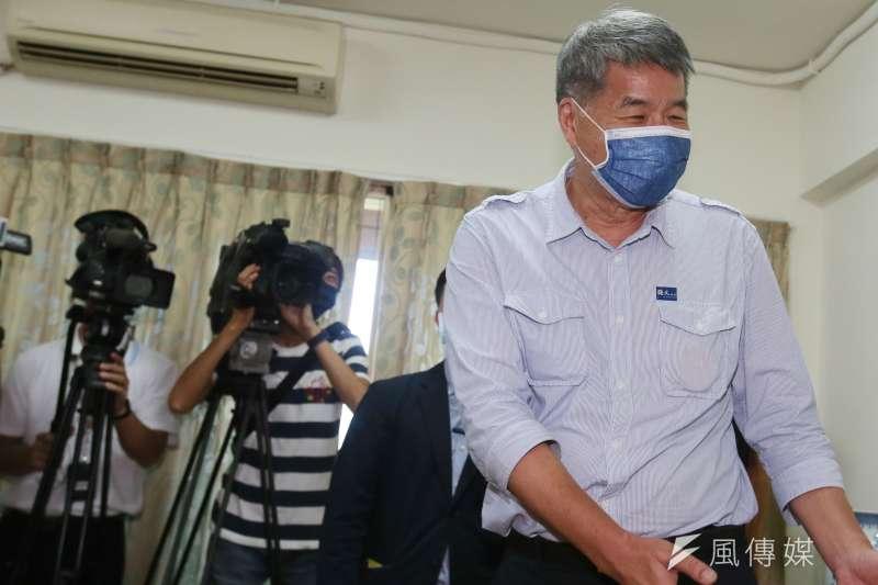 20210925-國民黨主席候選人張亞中25日在友人家靜待黨主席選舉結果揭曉。(柯承惠攝)