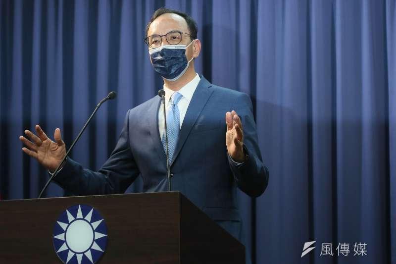 國民黨主席當選人朱立倫25日在中央黨部發表談話。(柯承惠攝)