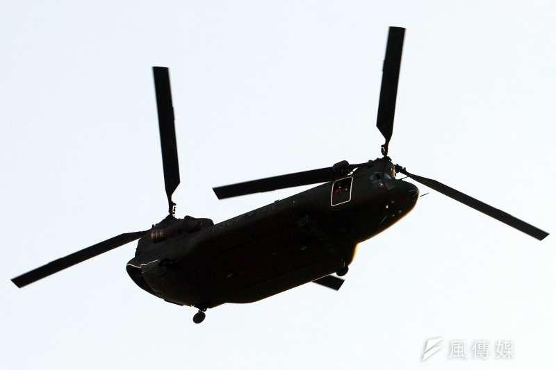 20210928-國軍28日進行國慶空中分列式預演,圖為CH-47SD運輸直升機。(蘇仲泓攝)