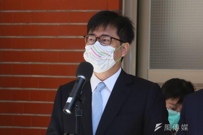 20211005-高雄市長陳其邁5日在立法院出席國慶記者會前受訪。(柯承惠攝)