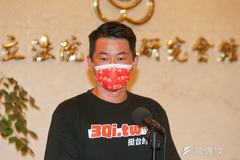 前桃園市議員王浩宇指台灣基進立委陳柏惟(見圖)罷免案情況確實危險,陳在數月內民調就下滑20%,且藍營的「毀滅戰」仍持續進行中。(資料照,顏麟宇攝)