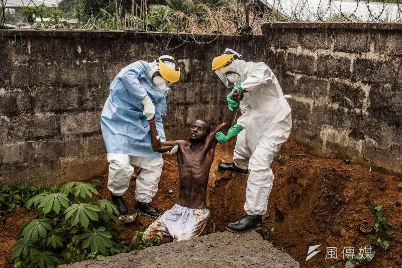 伊波拉病毒肆虐非洲西部,所幸疫情已經結束,藥物與疫苗研發加速。(美聯社)