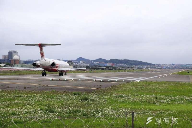 明年228連假4天,交通部民用航空局21日公布連假機票疏運資訊。(資料照,讀者王俊博提供)