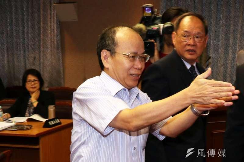 有媒體報導指稱,因政務委員張景森執意給泰國免簽,導致我方目前沒有其他可與泰方交涉開放對我免簽的籌碼,對此張景森27日回應,泰國不給台灣免簽的主要考慮因素是中國,「把給泰國免簽當成談判籌碼,這不切實際。」(資料照,蘇仲泓攝)