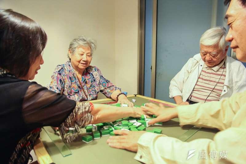 長照專題,睿智互助家庭中也有麻將間,讓長者可以休閒娛樂。