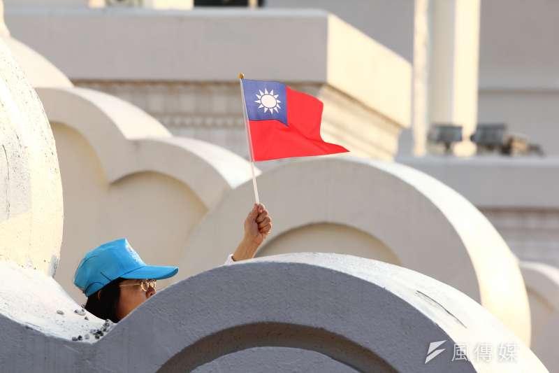 「中華民國」與「台灣」的認同,成為新世代台灣人的糾結。(資料照,葉信菉攝)