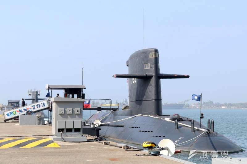選舉是一時的,但潛艦技術可代代相傳,代代進步,若台灣不保握此契機取得潛艦技術,未來水下兵力要汰換升級且有效強化,恐遙遙無期。圖為我國海龍、海虎潛艦。(資料照,蘇仲泓攝)