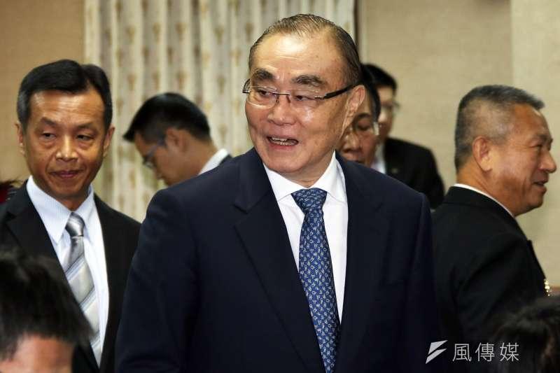 20161214-國防部長馮世寬出席外交國防委員會。(蘇仲泓攝)