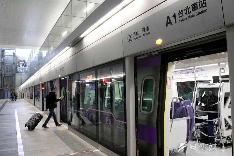 台灣在今天上午發生芮氏規模6.0地震,桃園市的震度為4級,桃園大眾捷運公司表示,目前全線進行列車手動監視車巡作業。(蘇仲泓攝)