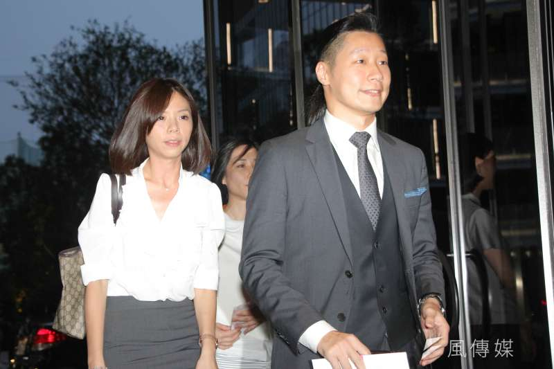 時代力量林昶佐、洪慈庸出席第14任總統、副總統就職國宴(葉信菉攝)