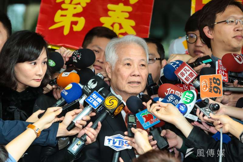 親民黨代表張昭雄於正副總統號次抽籤結束後接受媒體聯訪。(顏麟宇攝)