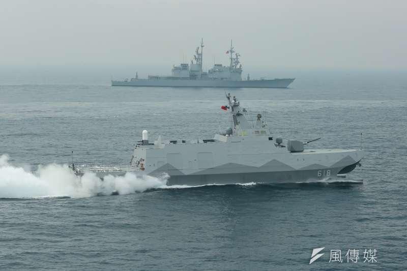 國造沱江艦巡航畫面。(資料照,顏麟宇攝)