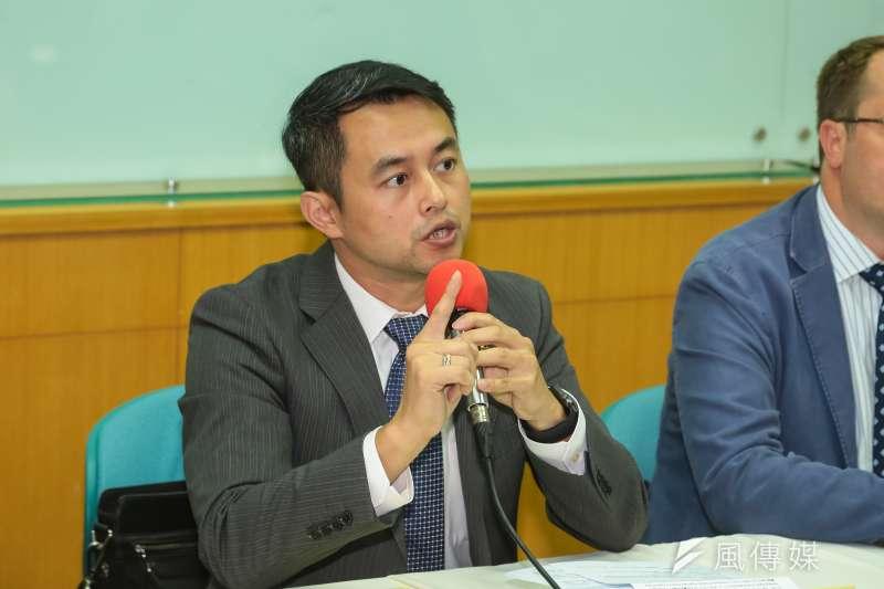 民間司改會委員黃致豪律師因為常為死刑犯辯護,被網友批評為「惡魔代言人」。(資料照,顏麟宇攝)