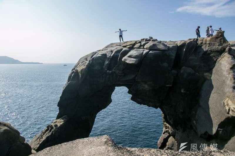 (深澳火力發電廠專題)面對深澳火力發電廠的象鼻岩,有環保團體認為,若電廠重新蓋,會破壞周邊景觀。(曾原信攝)