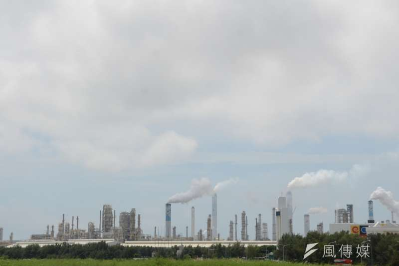 針對台灣的空污問題,環保署16日召開記者會,表示全力改善當中,預計將在明年開始徵收空污費,作為空污基金,估計一年將有12億新台幣的收入。(資料照,宋小海攝)