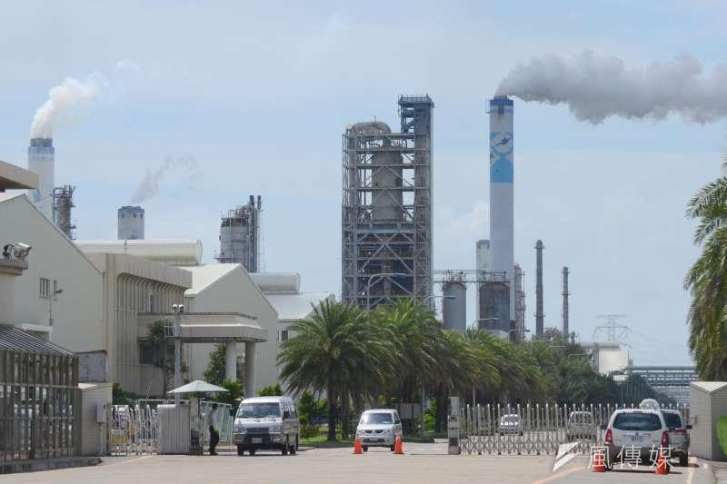 麥寮海水淡化廠環評審查通過,未來於枯水期將日產淡水8到10.5萬噸。圖為台塑麥寮工業園區。(宋小海攝)
