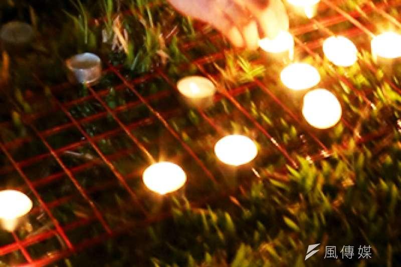 為八仙爆炸案受傷者祈福。