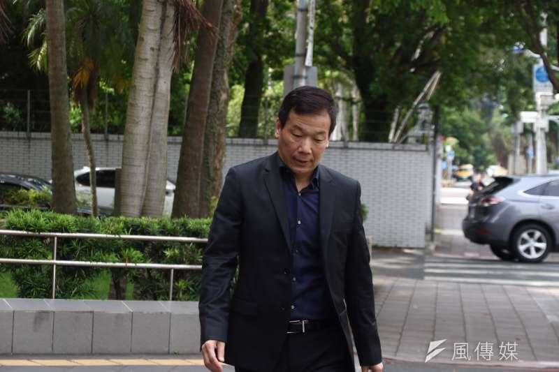 20170515鍾小平前往北檢控告國民黨內其他候選人對吳敦義的抹黑。