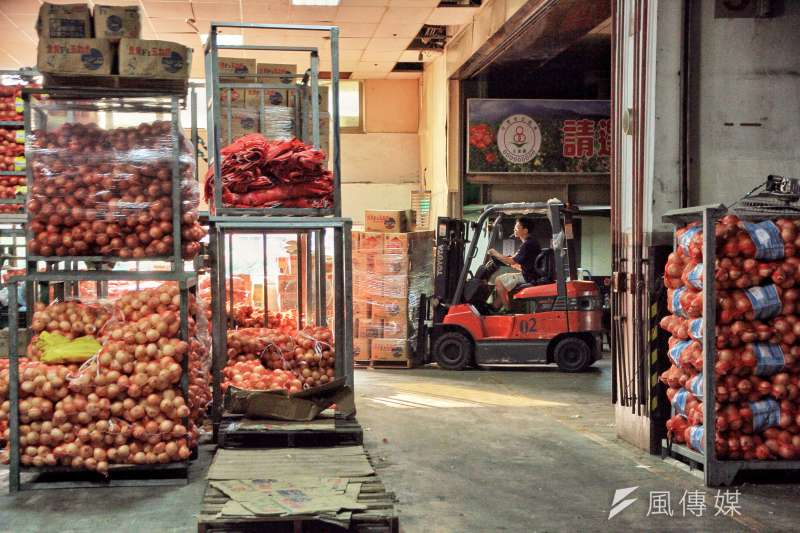 台北市農產運銷公司二樓,進貨過程。